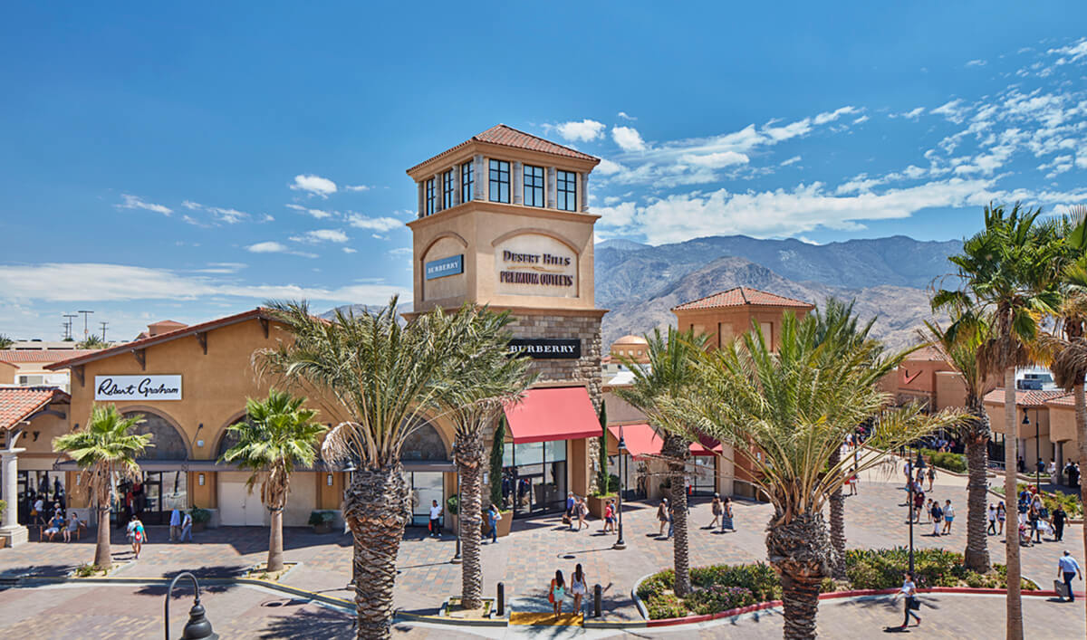 美國洛杉磯熱門OUTLET- Desert Hills Premium Outlets