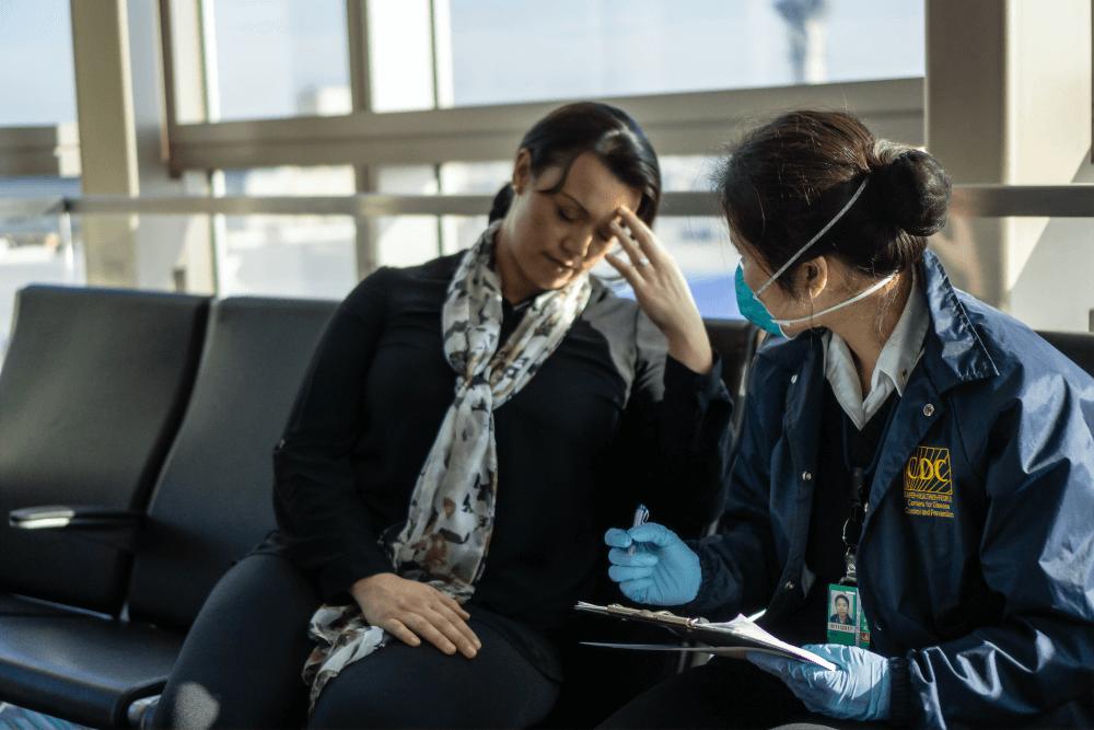 需要對面大量人群的職業建議使用醫用手套預防接觸感染